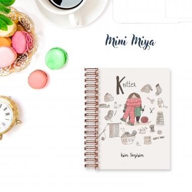 Knitter Lady - Mini Miya
